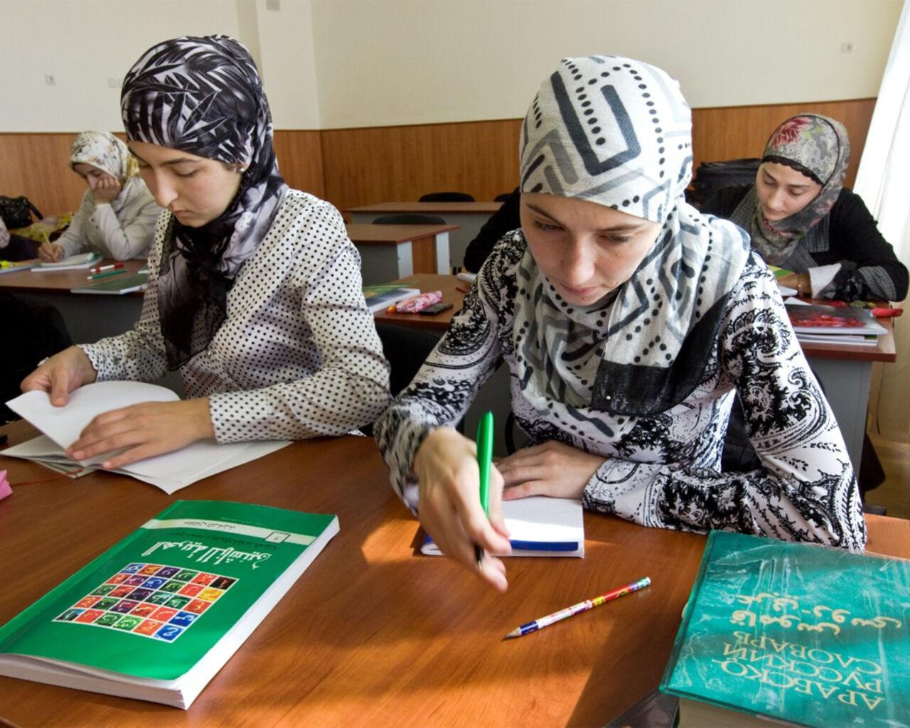 Чеченские девушки трахаются с русскими, Чеченское бесплатное порно онлайн, смотреть видео 14 фотография