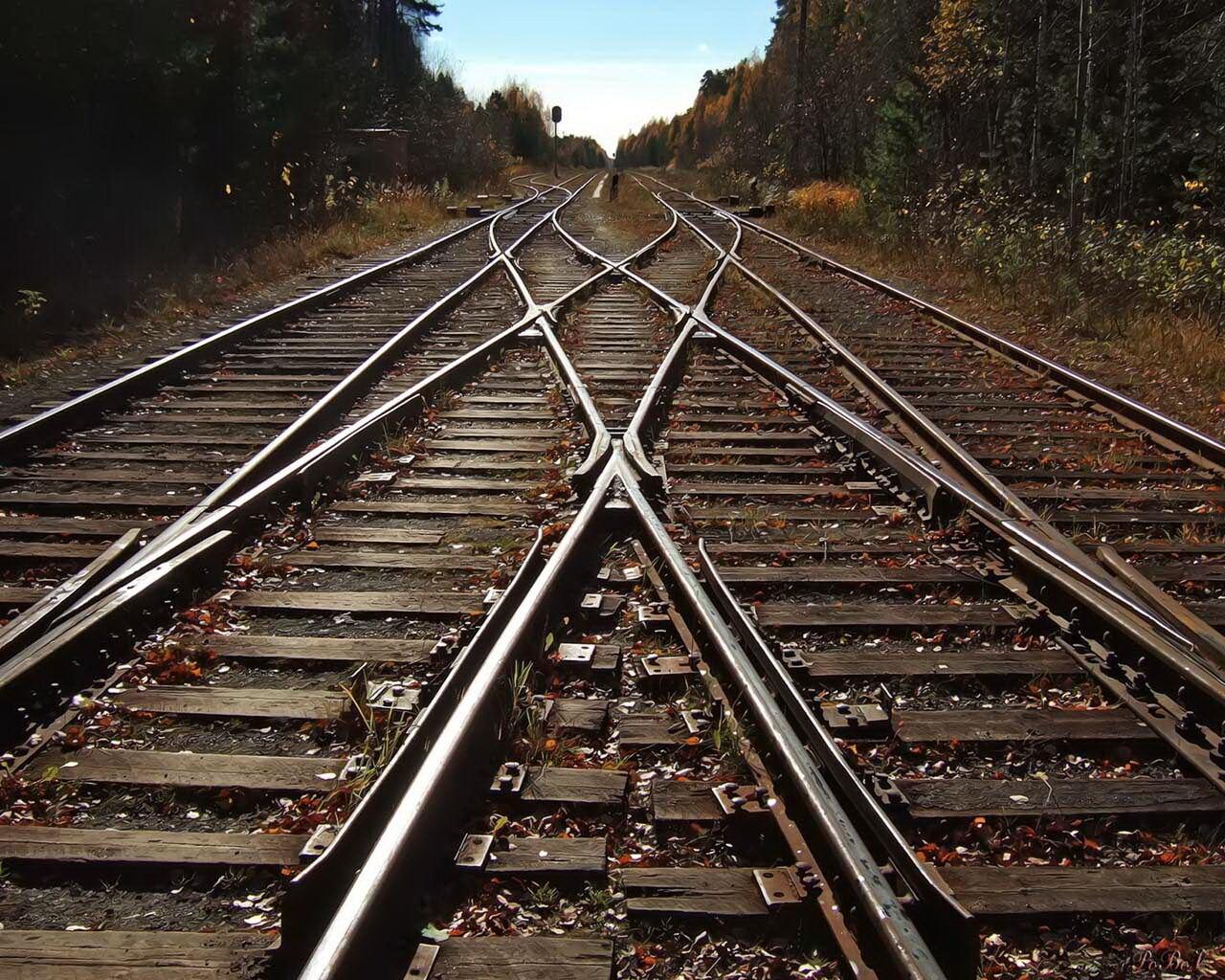 Три человека погибли в итоге столкновения пассажирского игрузового поездов ...