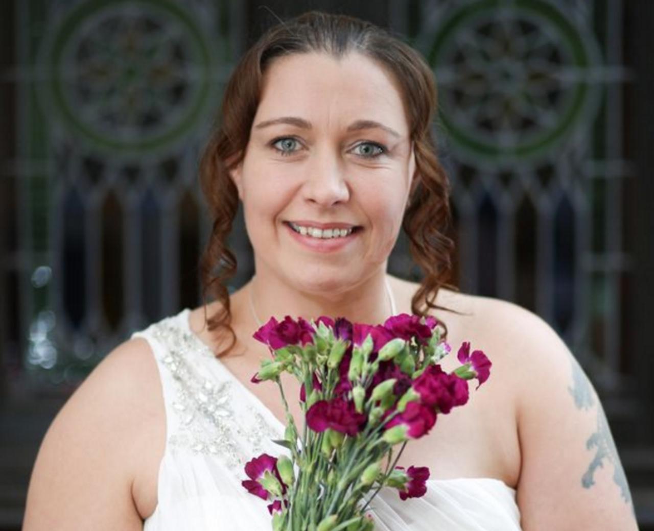 Недождалась принца: британка выходит замуж засаму себя