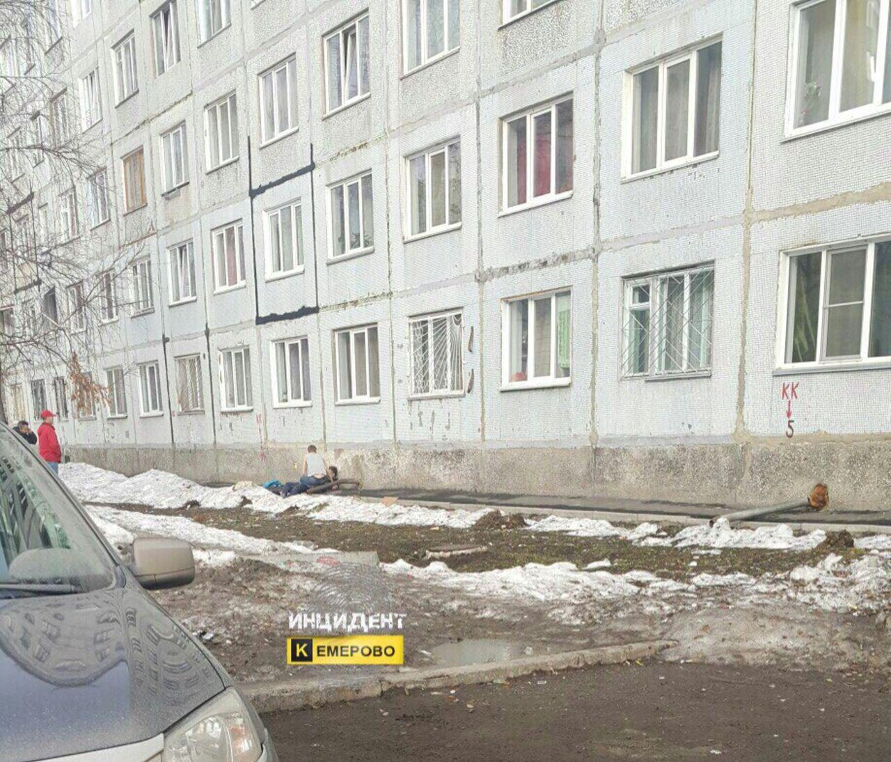 Кемеровчанин выпал изокна восьмого этажа общежития ивыжил