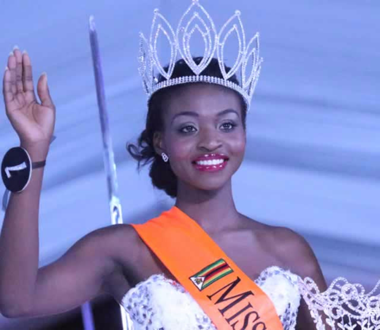 pageant essays Beauty pageants by definition, the beauty pageant is a competition in which young women are judged by physical appearance alone as the old.
