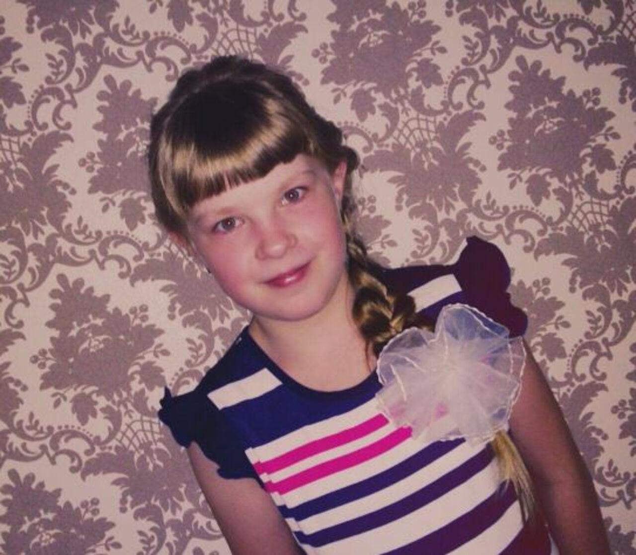 ВНовокузнецке подороге к сестренке пропала 12-летняя девочка