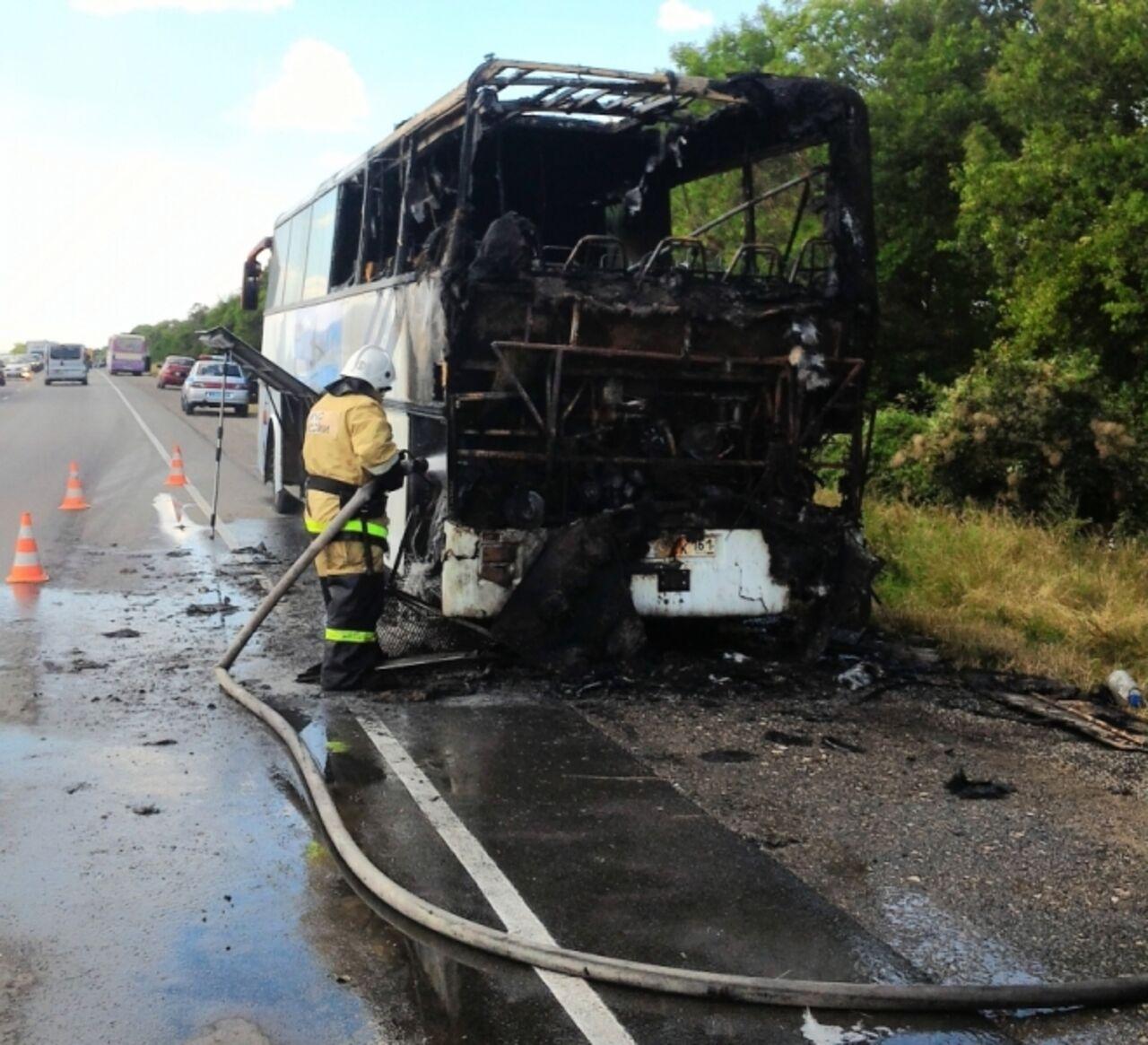 Автобус рейса Сочи-Севастополь зажегся вКрыму