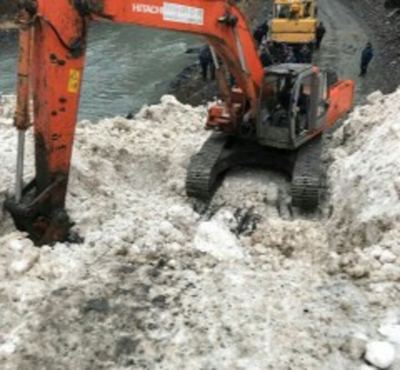 ВЦунтинском районе Дагестана сошла лавина