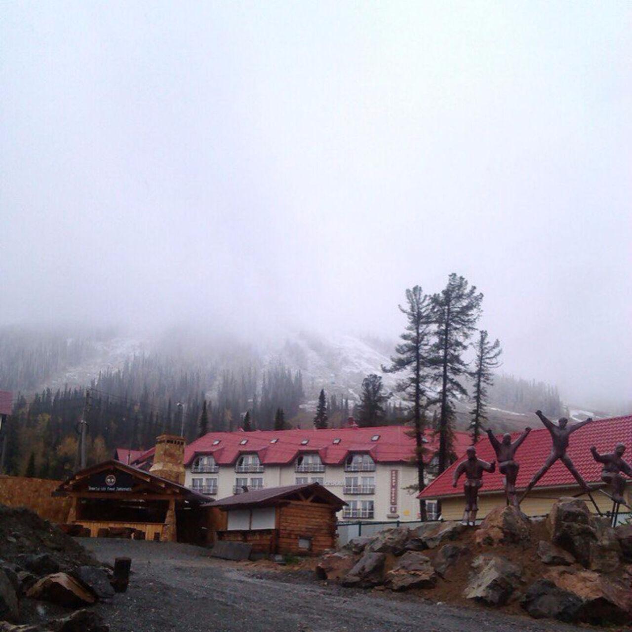 1-ый снег выпал вэти выходные на известном курорте Шерегеш