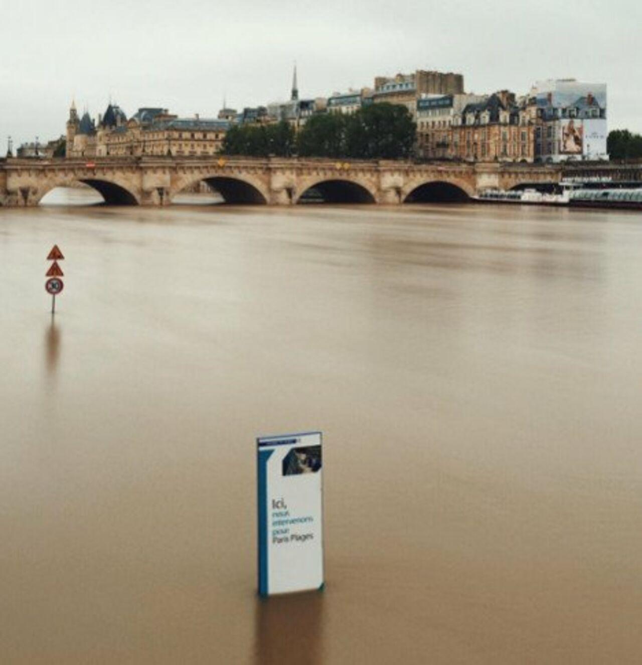 Музей Лувр закроют для гостей  из-за наводнения встолице франции