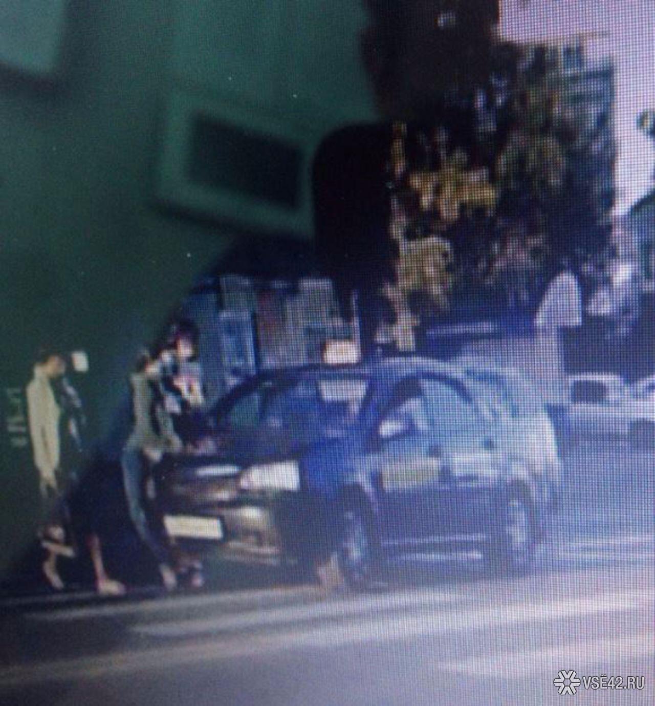ДТП вКемерове: таксист сбил напешеходном переходе 2-х женщин