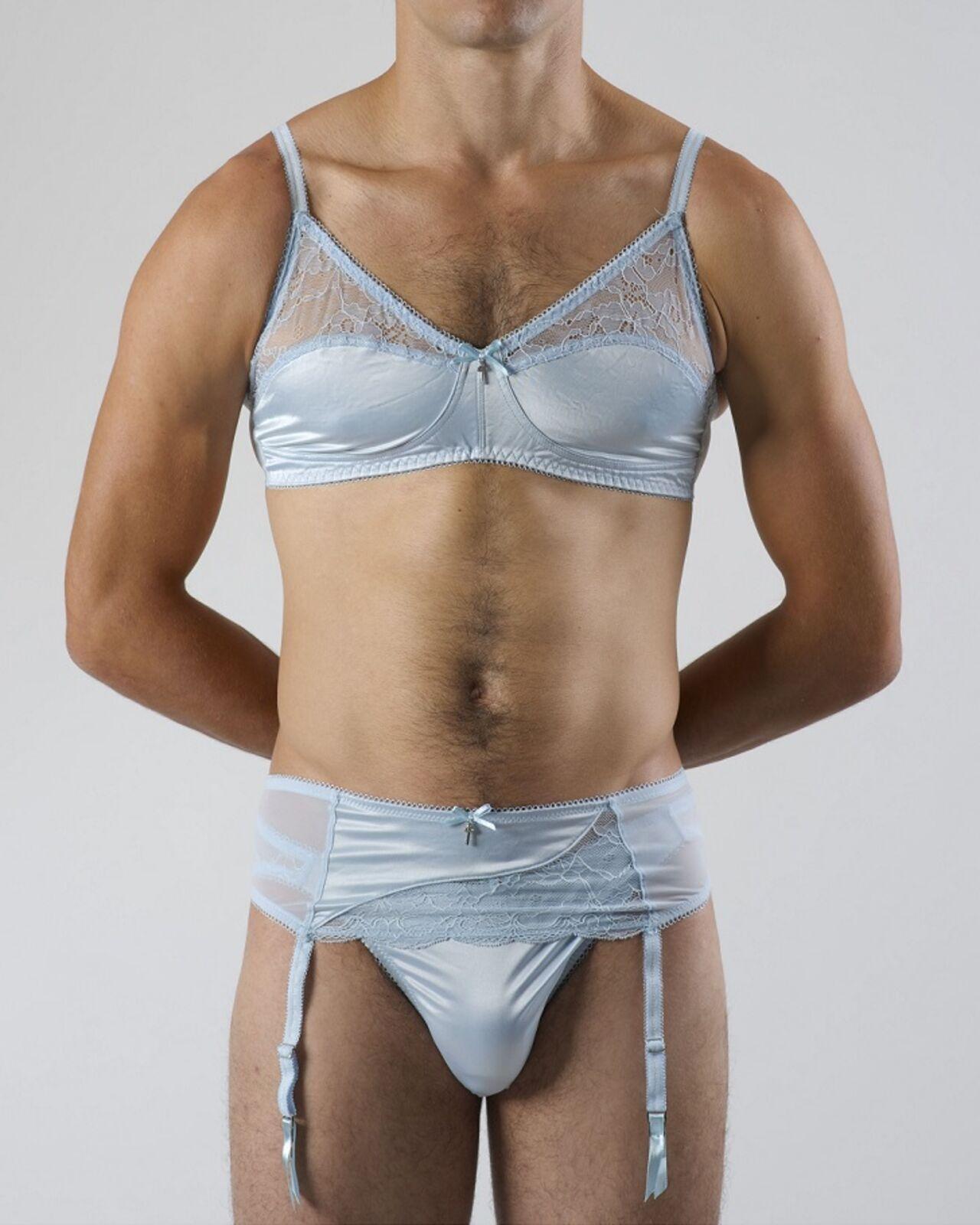 Посмотреть фото как девушка одеваетца в стринги и в ливчик очень тонкие 24 фотография