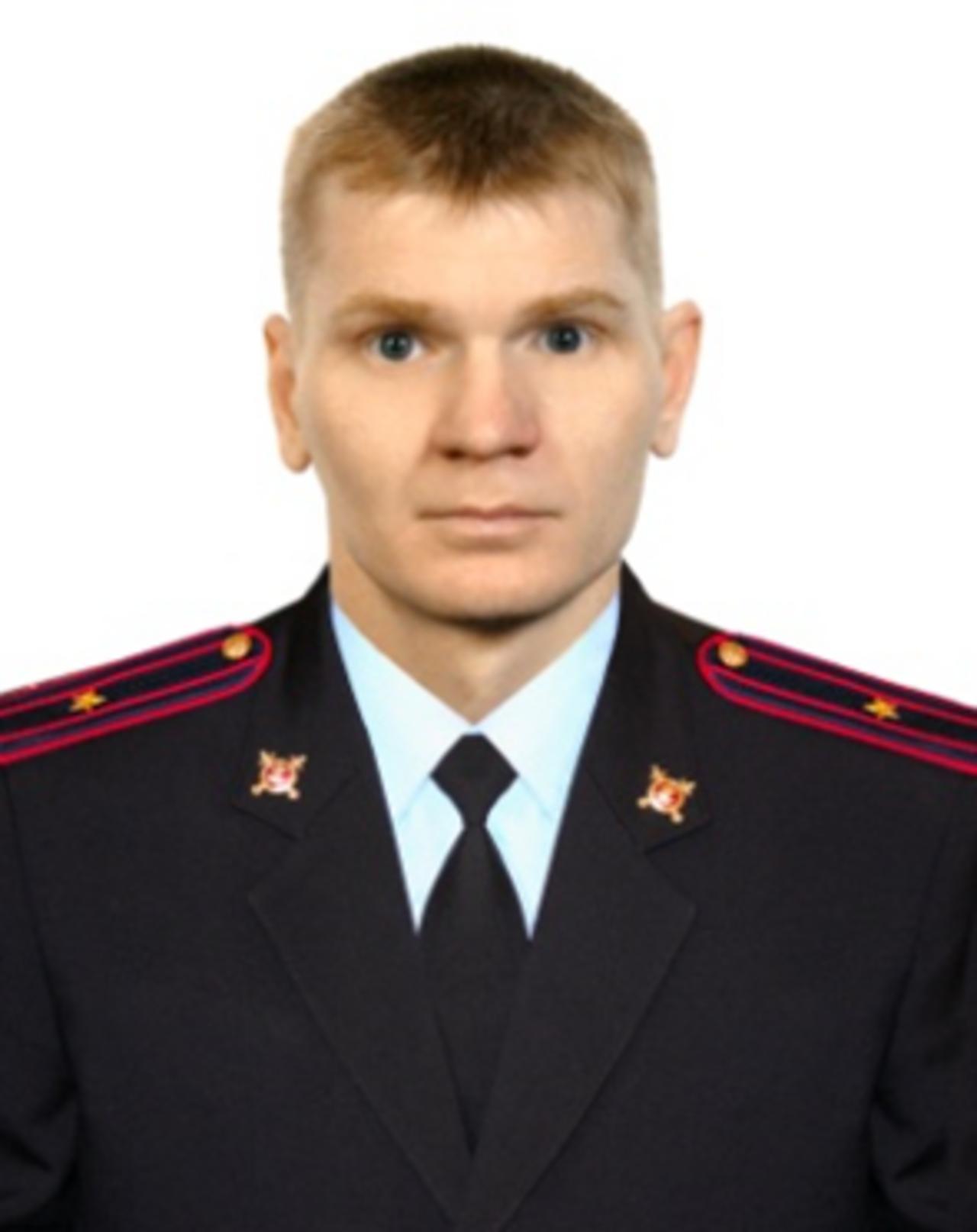 ВКемерове участковый отговорил нетрезвого с тесаком отубийства семьи
