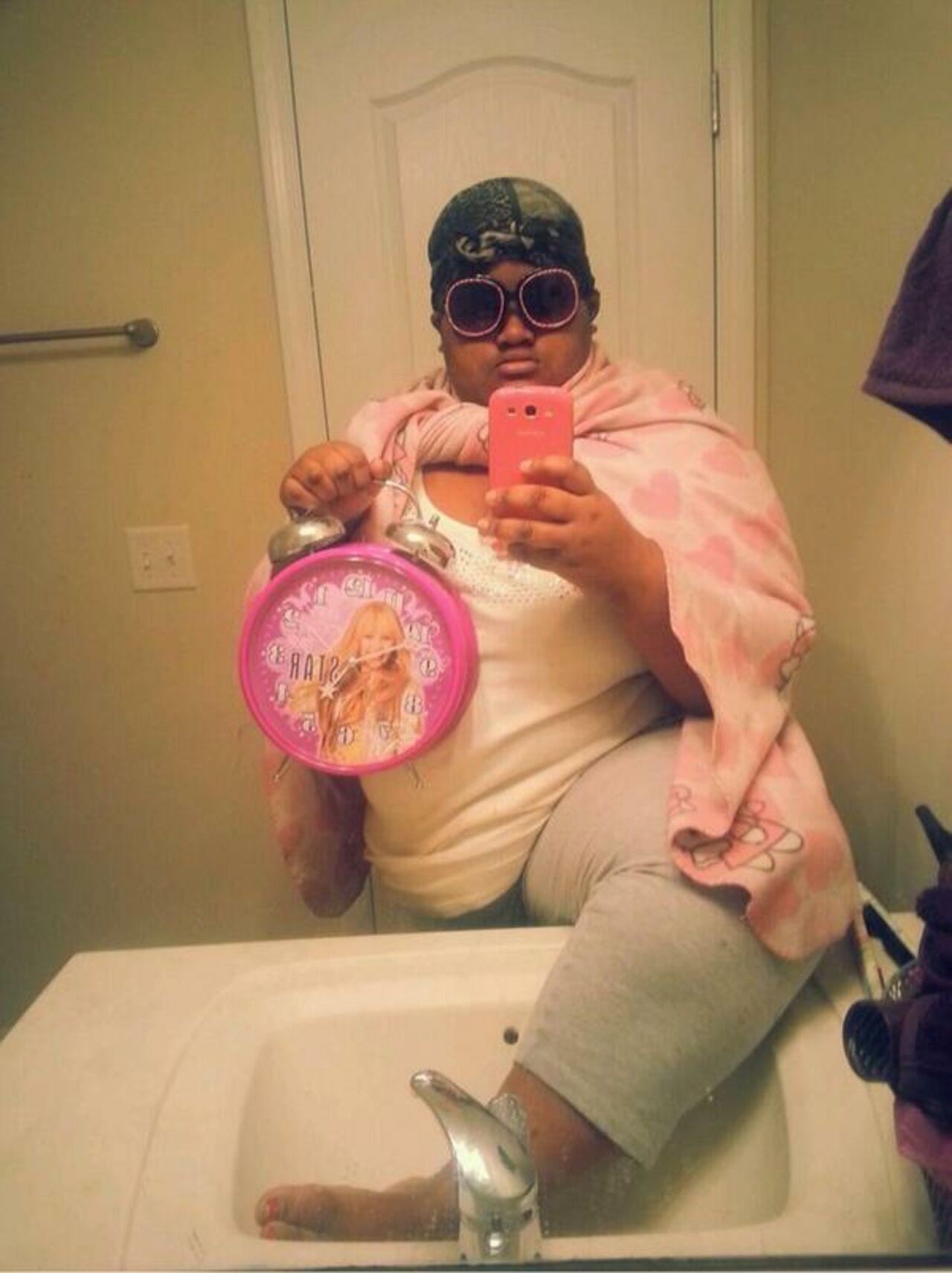 Сходила в туалет в купальнике 9 фотография