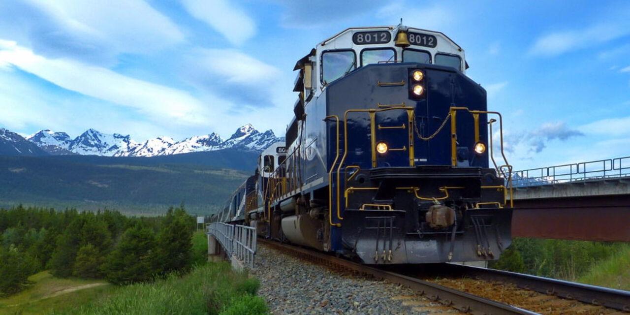 AP: вПенсильвании сошел срельсов поезд стоксичными веществами