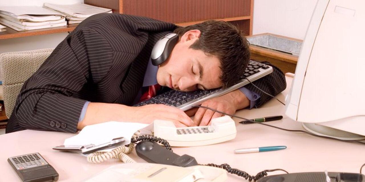 Жители России работают на80% возможностей из-за недосыпа