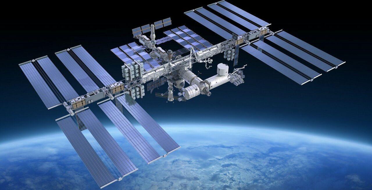 Российская Федерация  колонизирует орбиту Луны