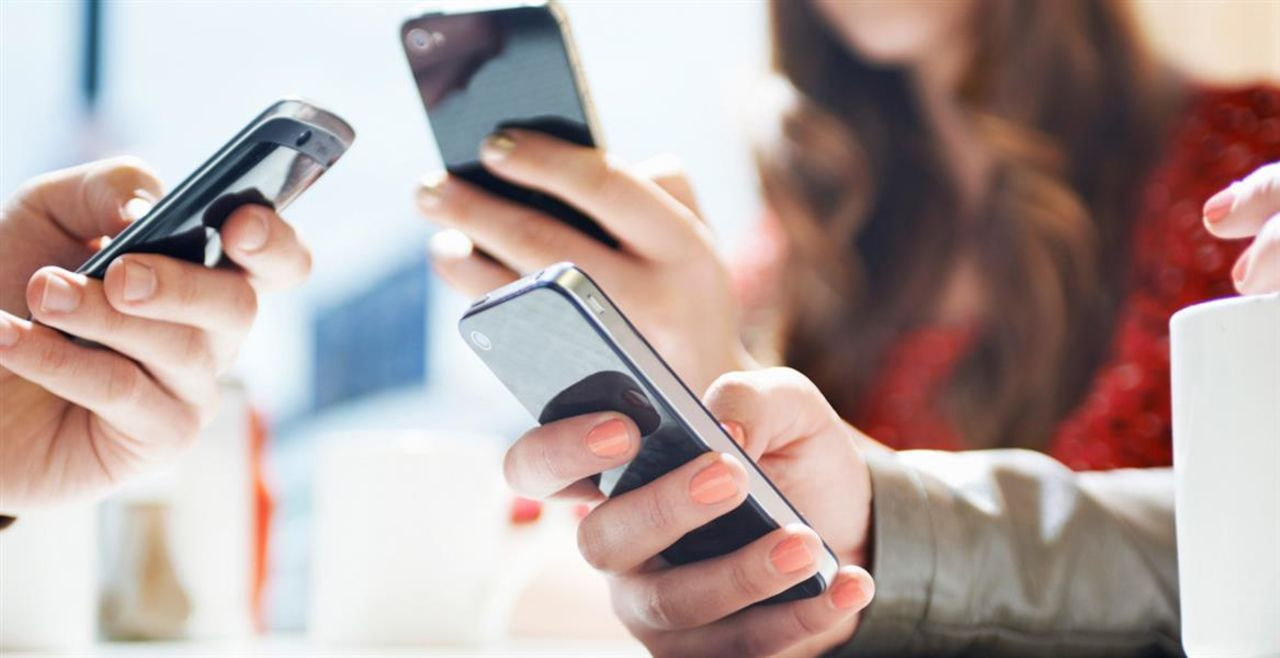 Соцсеть YouTube запускает прямые мобильные трансляции сSuper Chat