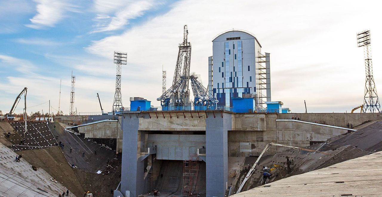 Роскосмос назвал «оптимистичные» сроки полета космонавтов наЛуну