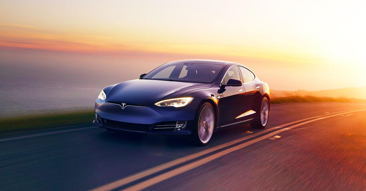 Проблемы назаводе Tesla привели кмировому недостатку аккамуляторных батарей