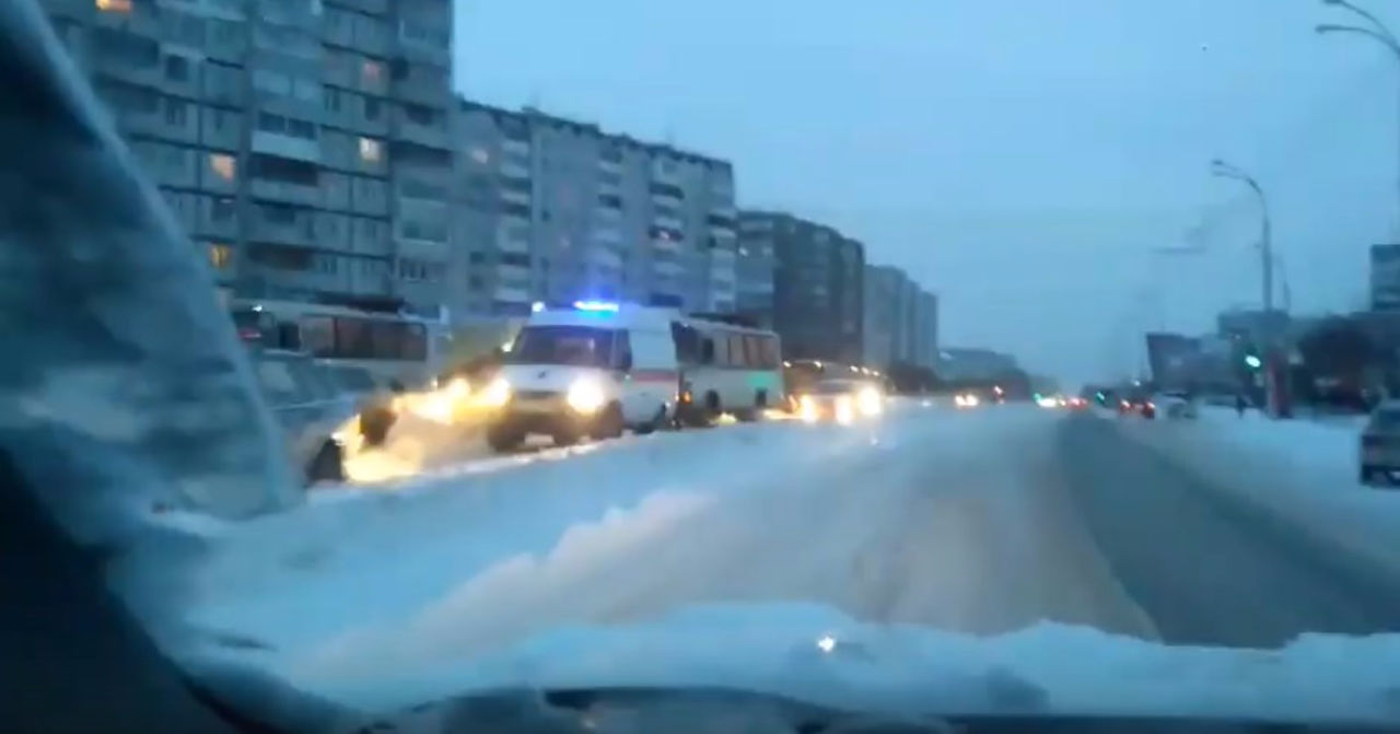 ВКемерово наФПК маршрутка сбила ребёнка