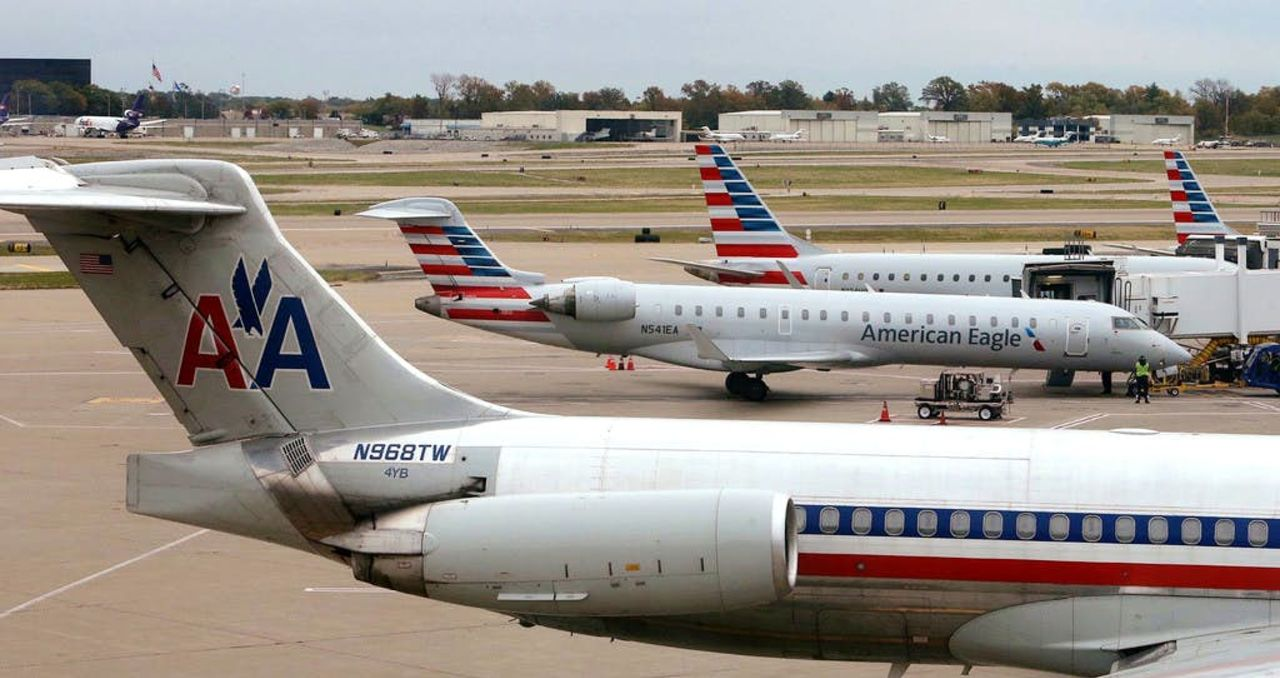 Втуалете самолета American Airlines отыскали человеческой эмбрион