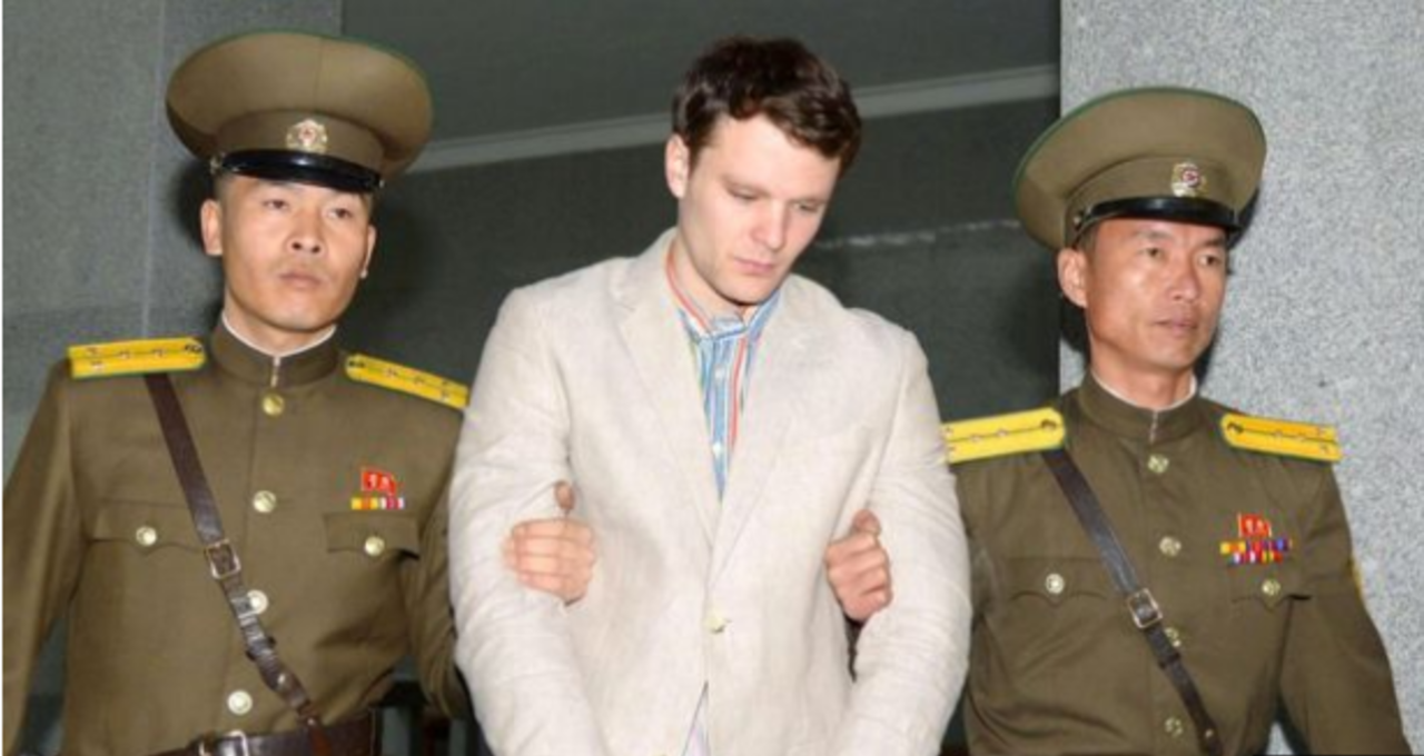 Северная Корея выдала осужденного американского студента всостоянии комы