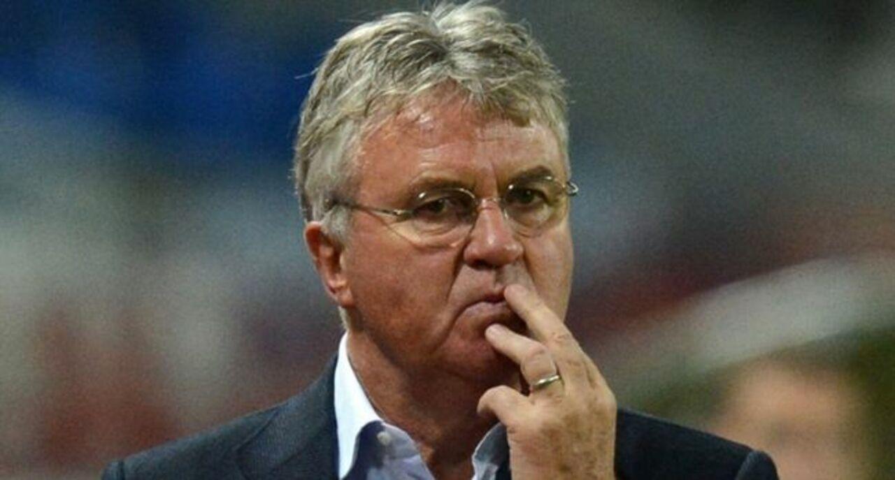 Хиддинк отказался возглавить сборную РФ пофутболу