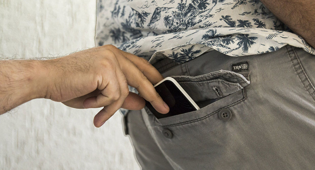 Два румына украли свыше 60 мобильных наконцерте вИспании