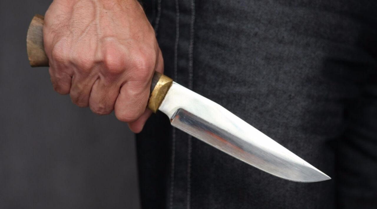 Омич после ссоры ссожительницей нанес себе 10 ранений ножом