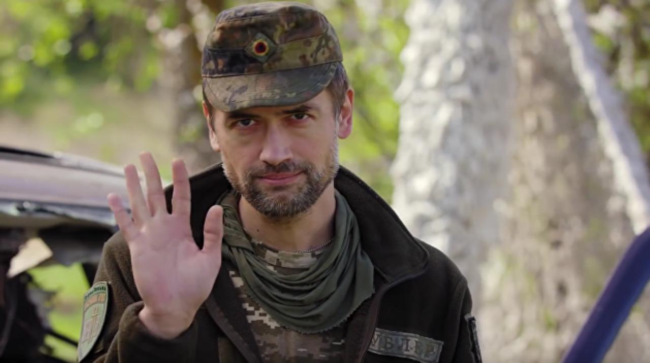 Воюющий в Донбассе российский актер Анатолий Пашинин пожаловался на угрозы со стороны Службы безопасности Украины и пригрозил покончить