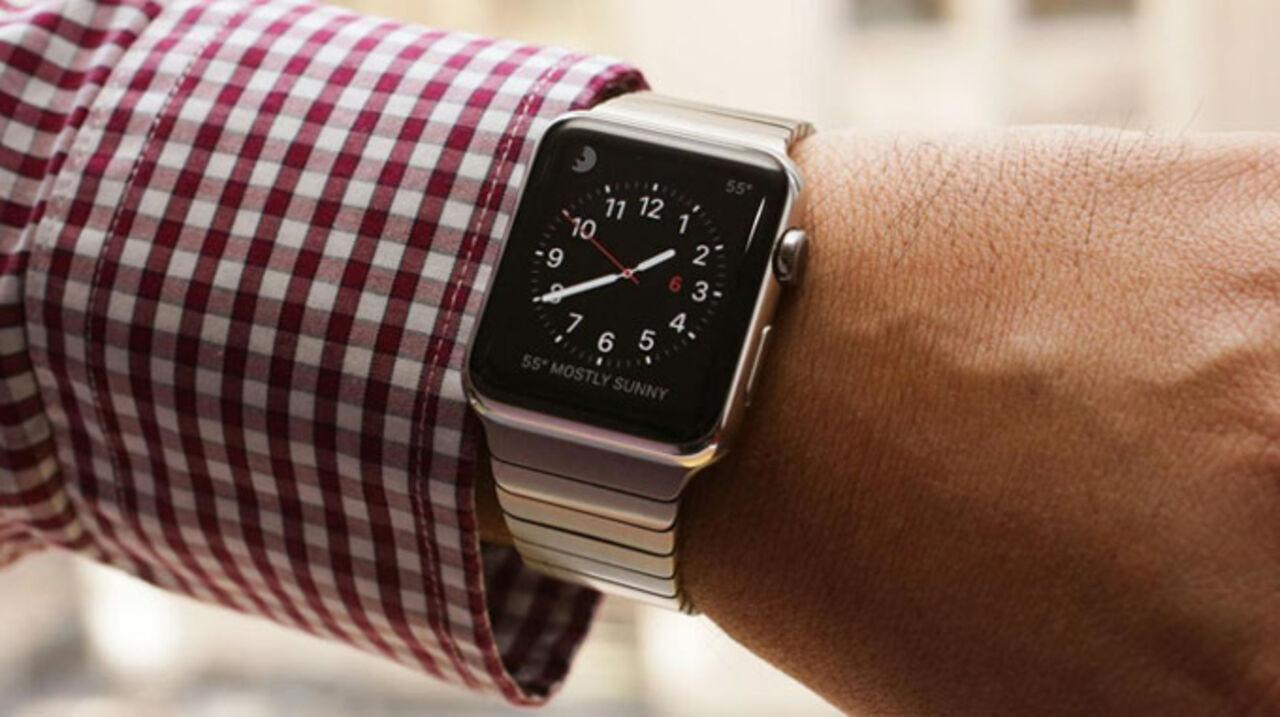 Захарова прокомментировала запрет носить Apple Watch из-за русских шпионов