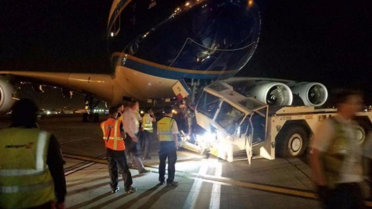 A380 столкнулся сбуксиром ваэропорту Лос-Анджелеса