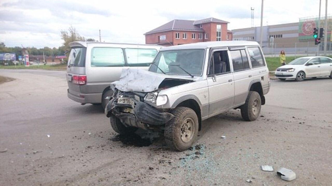 Шестеро пострадали вжёстком столкновении маршрутки и внедорожника вБердске
