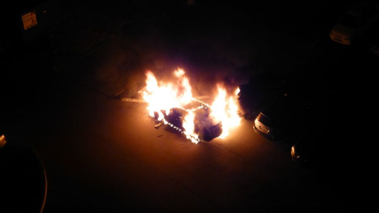 ВНовокузнецке ночью полыхали автомобили
