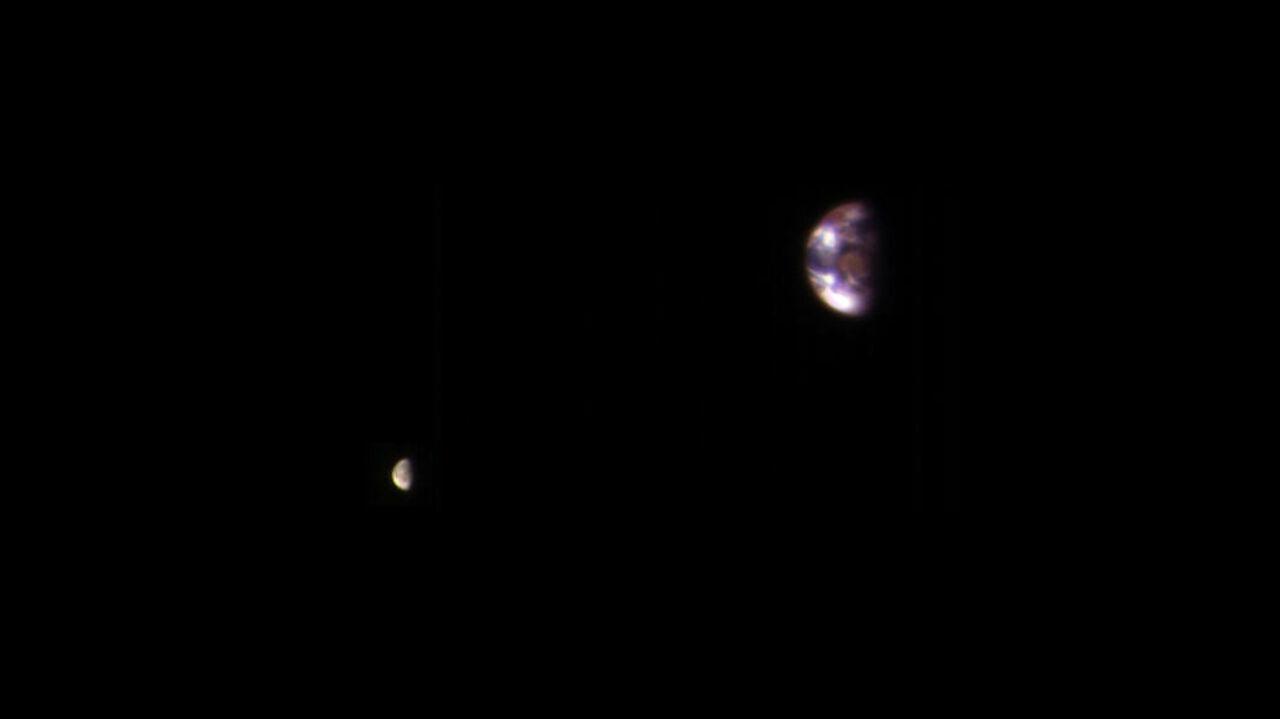 NASA опубликовало фотоснимок Земли сорбиты Марса