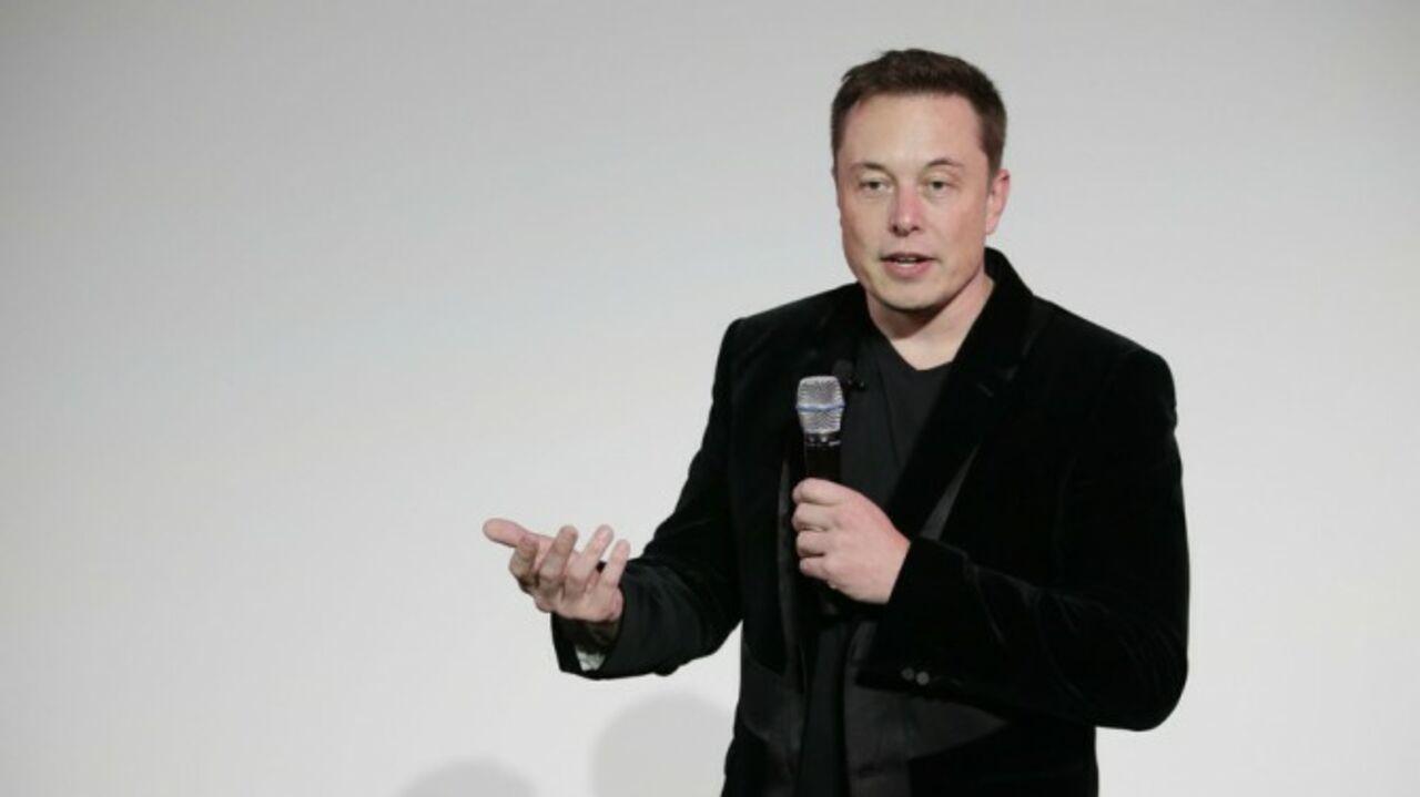 Tesla иSpaceX присоединились кпротивникам указа Трампа обеженцах