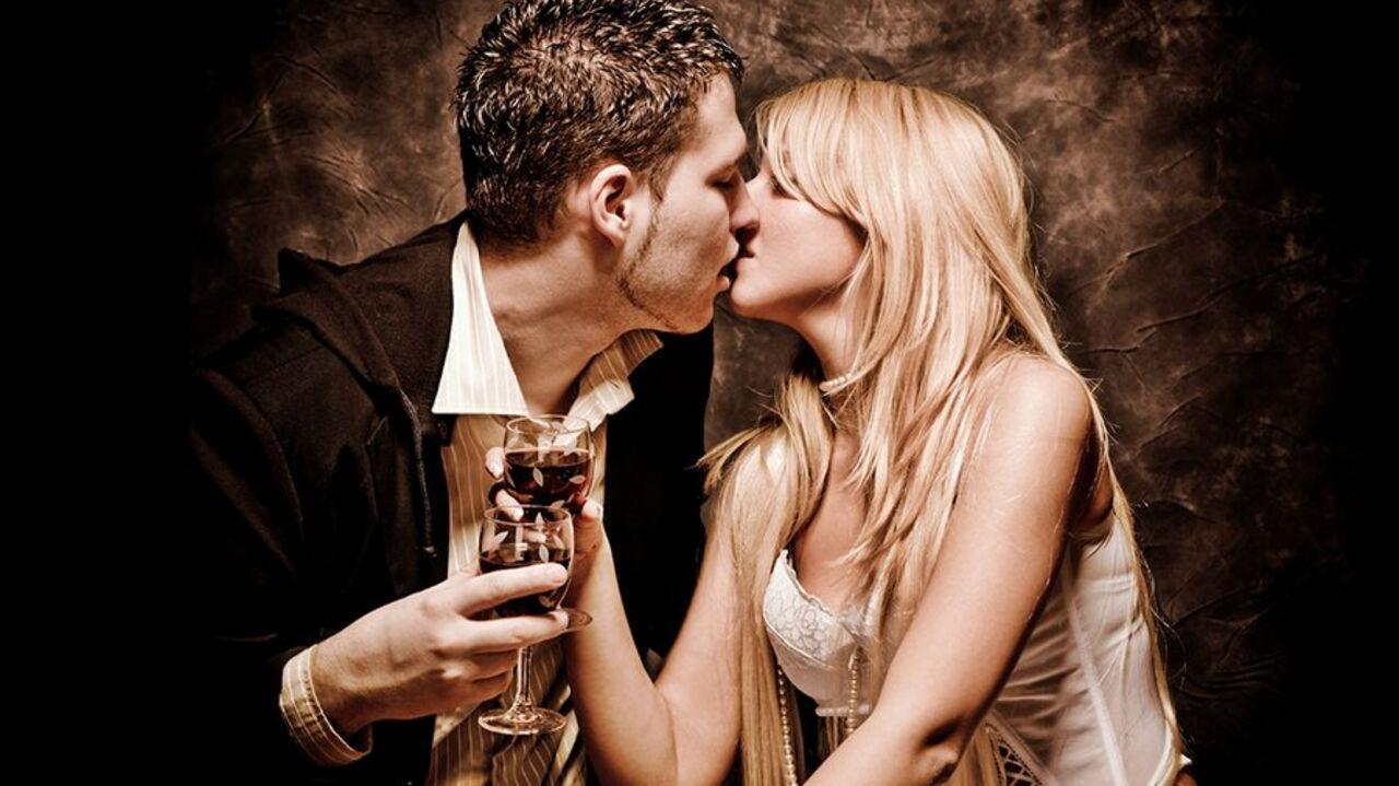 Специалисты выяснили какие продукты не рекомендуется употреблять перед занятием любовью
