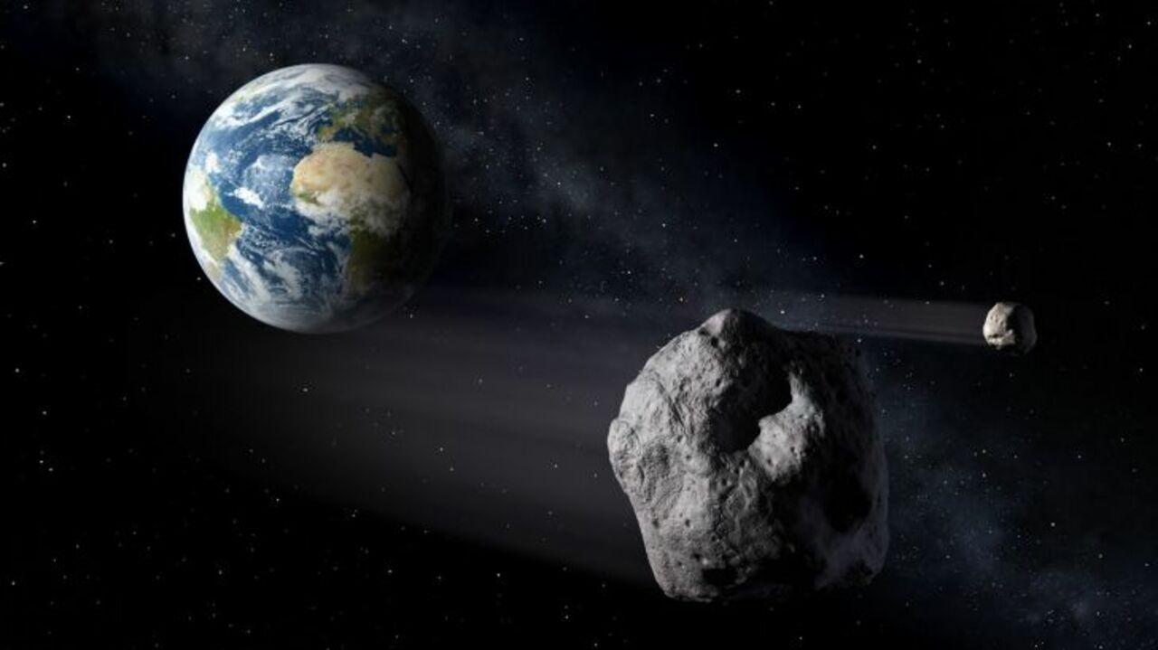 Огромный астероид приближается кЗемле— Ученые
