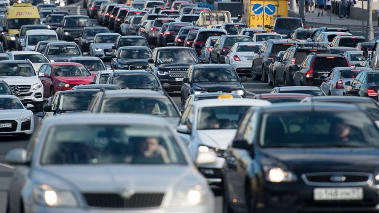 Названы автомобили, реализуемые россиянами впервую очередь