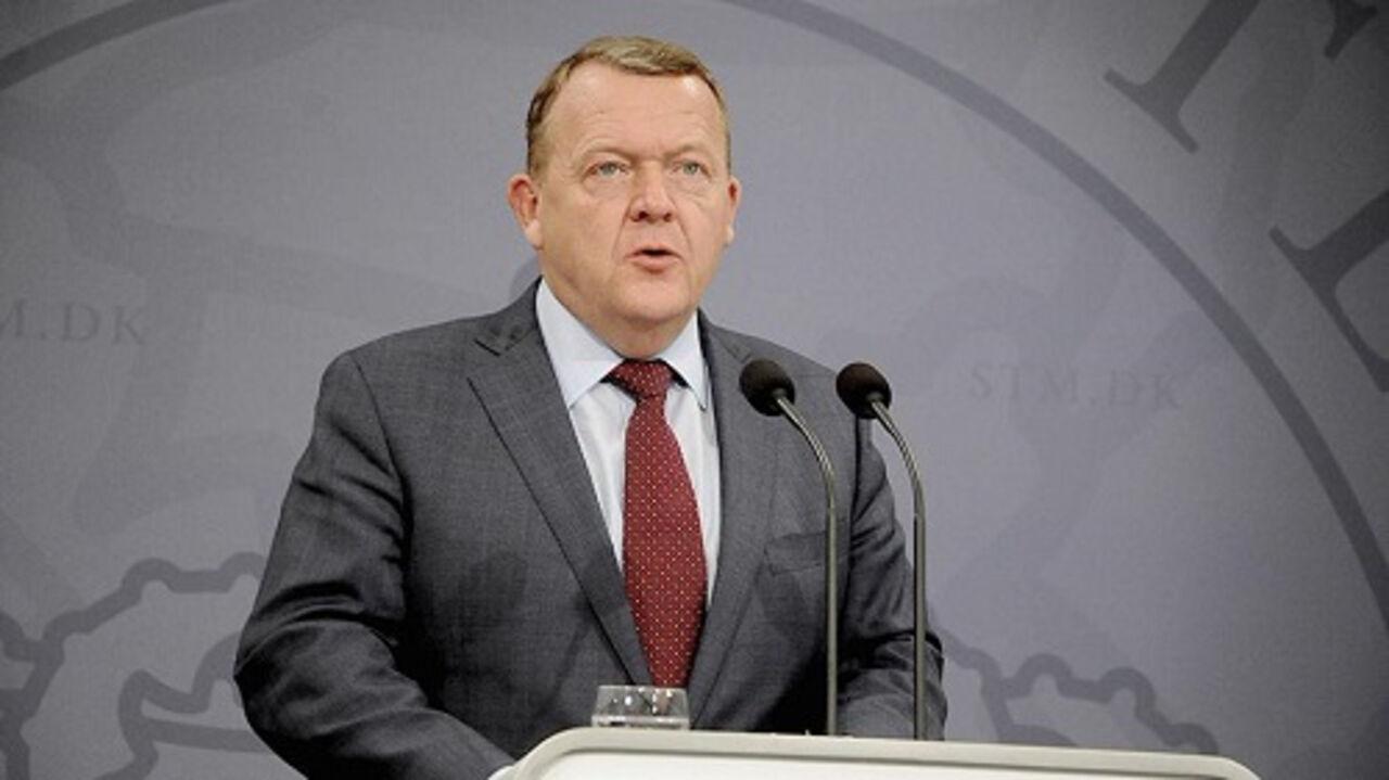 Премьера Дании подозревали вполучении взятки
