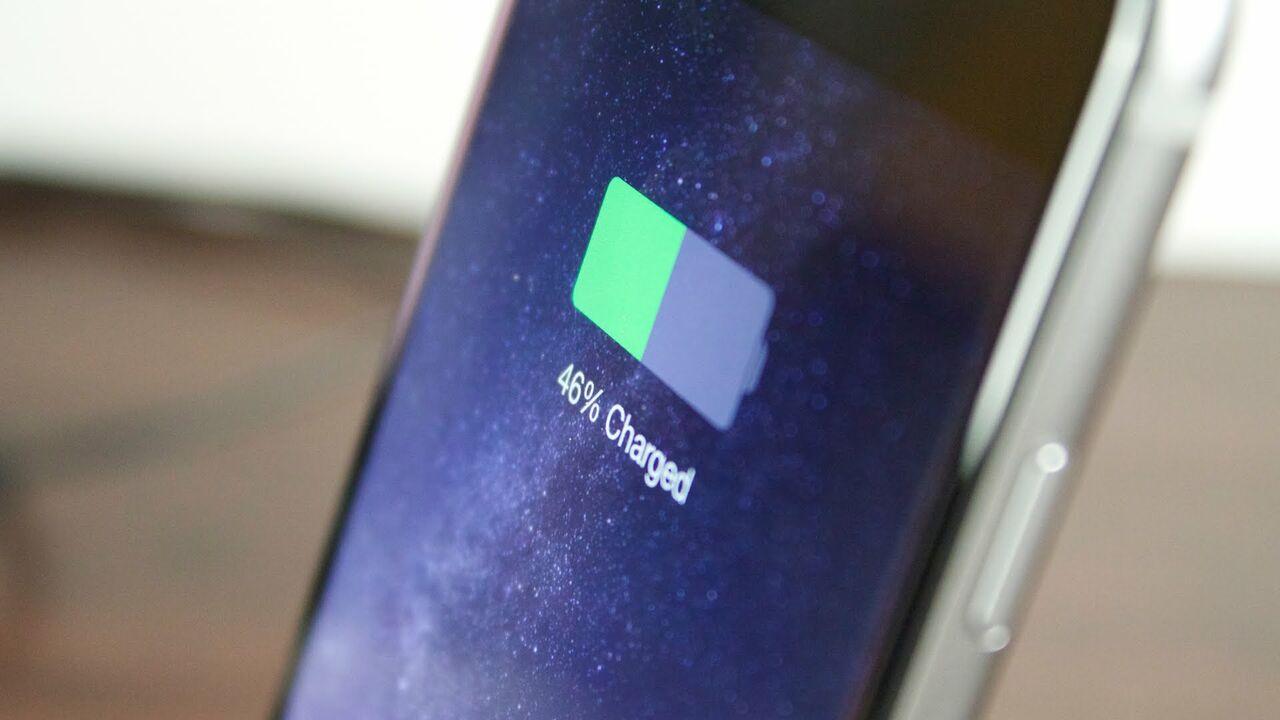 Apple пообещала исправить проблему с неправильным отображением заряда батареи на iPhone 6s/6s Plus