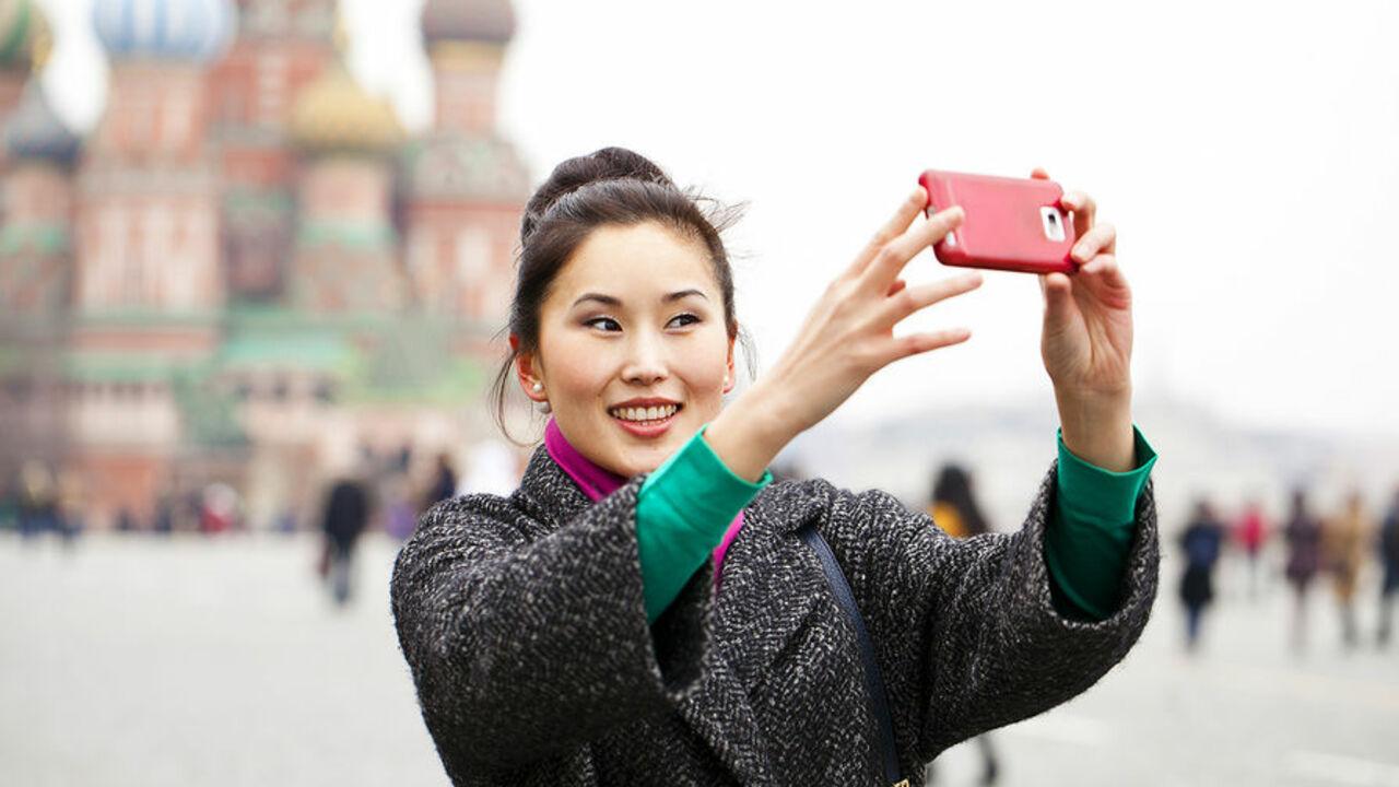 Руководитель Ростуризма Олег Сафонов на заседании Госдумы сообщил что число туристов из Китая посетивших Россию выросло в 2016 году на 63
