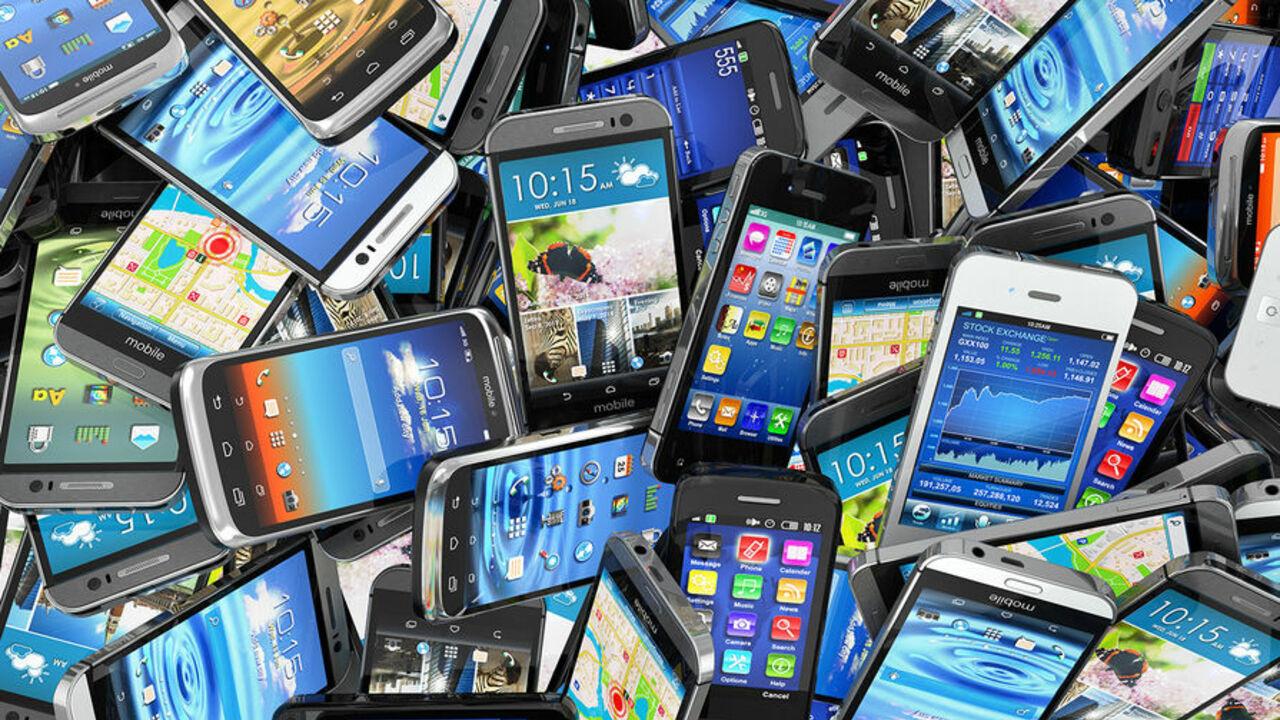 Топ наилучших телефонов уходящего года