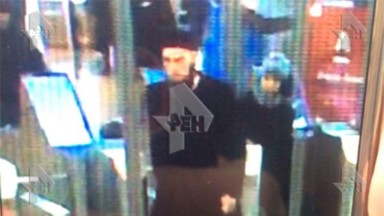 «РЕНТВ» обнародовал фото предполагаемого исполнителя взрыва вПетербурге