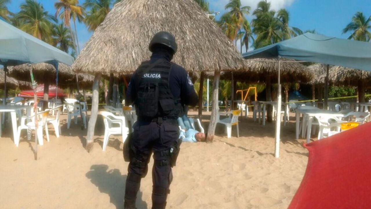 ВАкапулько убили  2-х  туристов, еще шестеро ранены