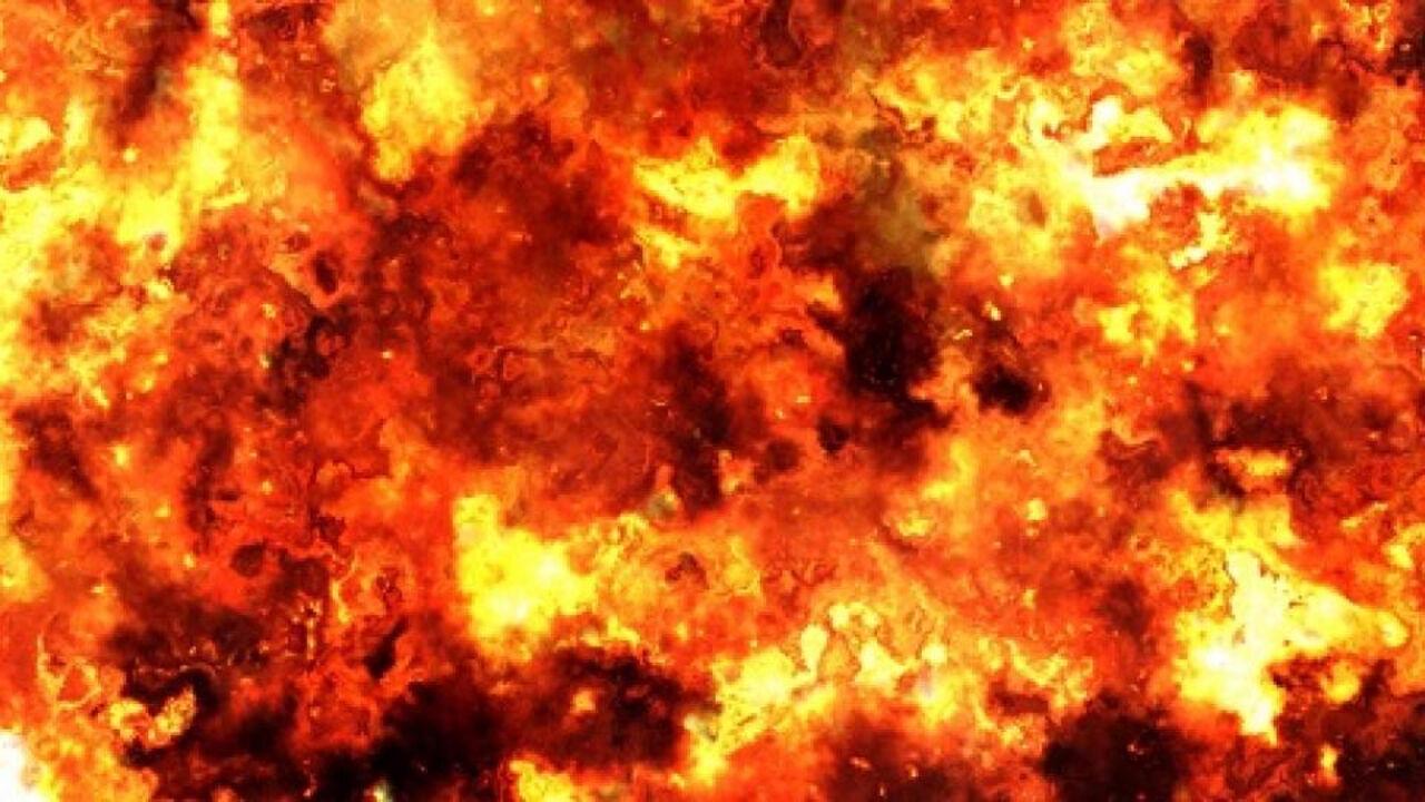 Наместорождении вХМАО упала буровая вышка впожаре