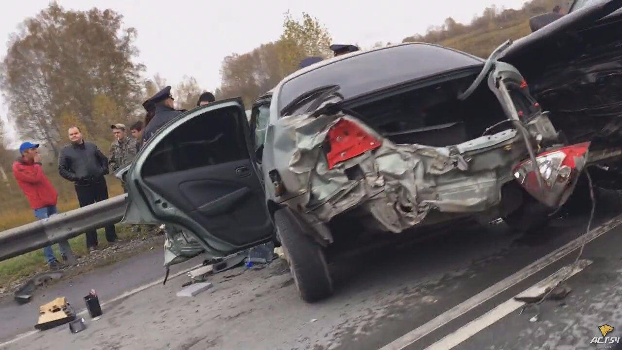 Мужчина умер вдорожной трагедии наЧуйском тракте вНовосибирской области