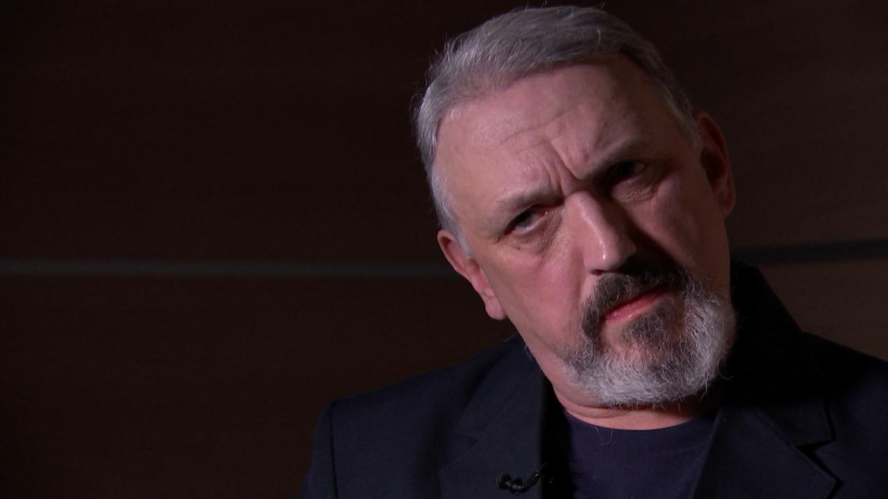 Один излидеров английских неонацистов признался, что оневрей игомосексуалист