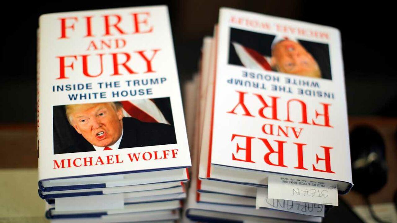 Книжка оТрампе стала бестселлером вСША