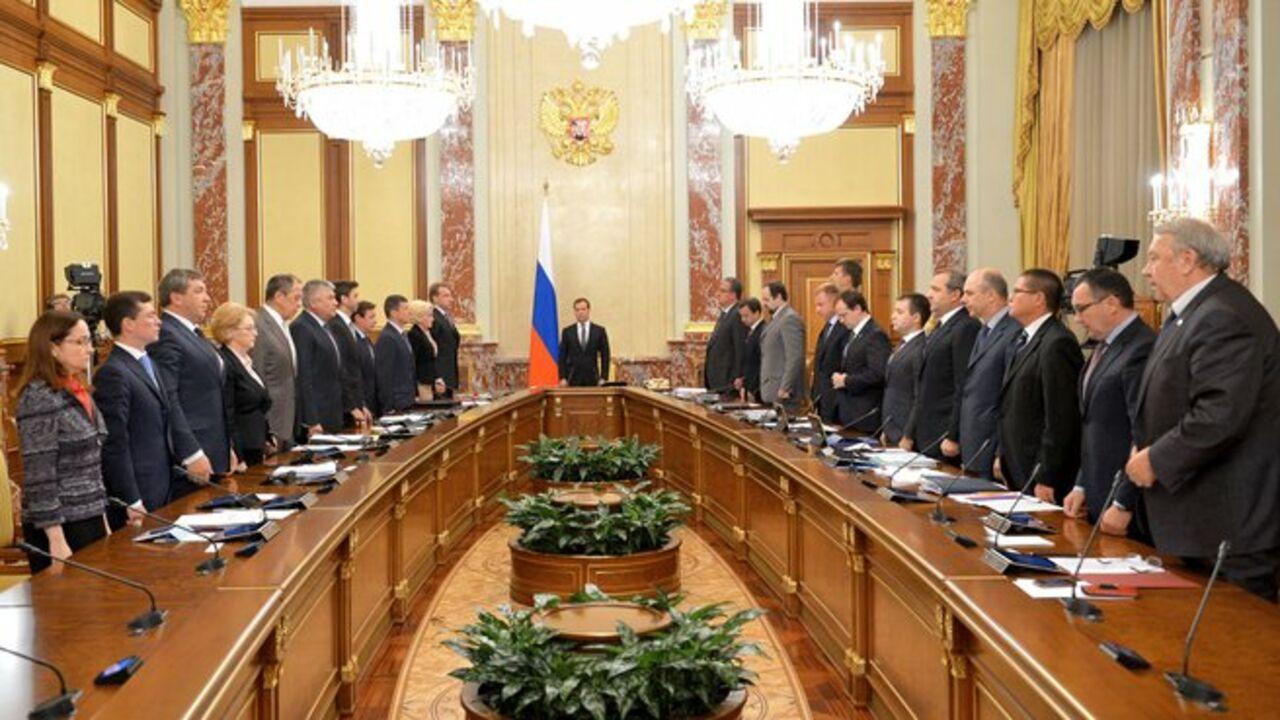 Руководство РФ уйдет вотставку после инаугурации В. Путина