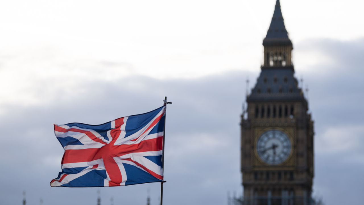 Лондон введет санкции против русских  олигархов