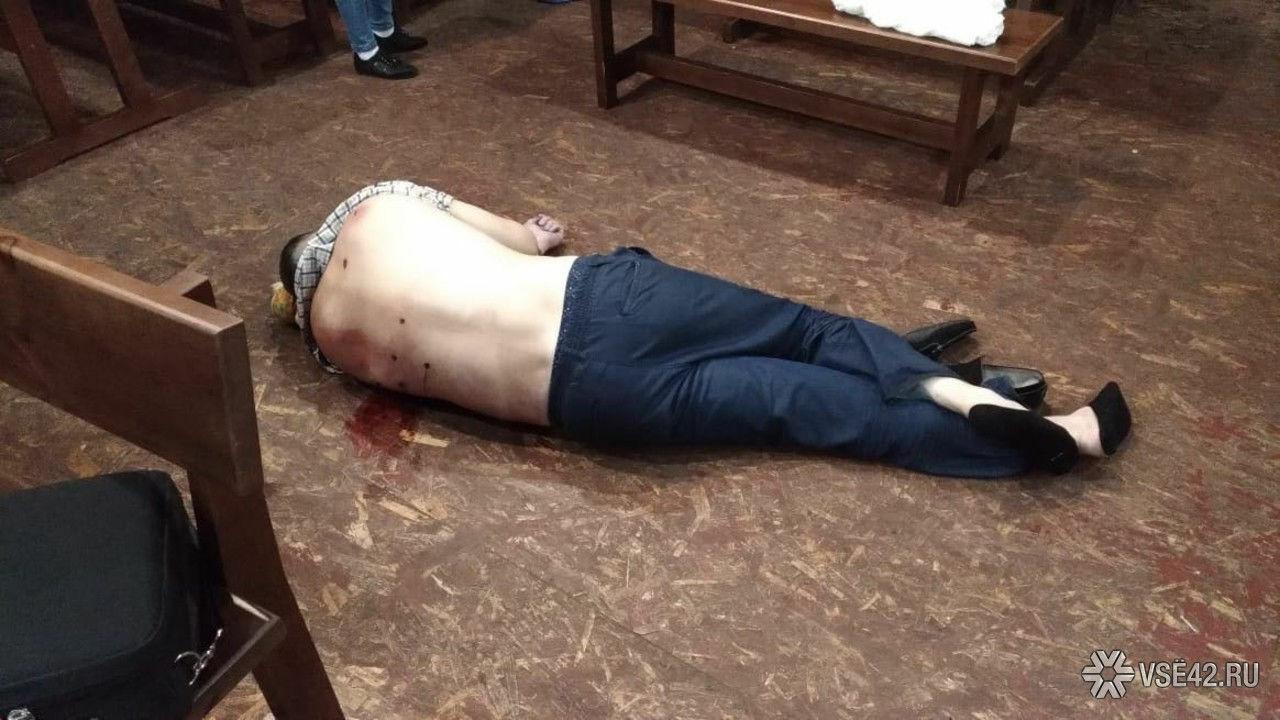 Ночью вкузбасском баре убили  мужчину