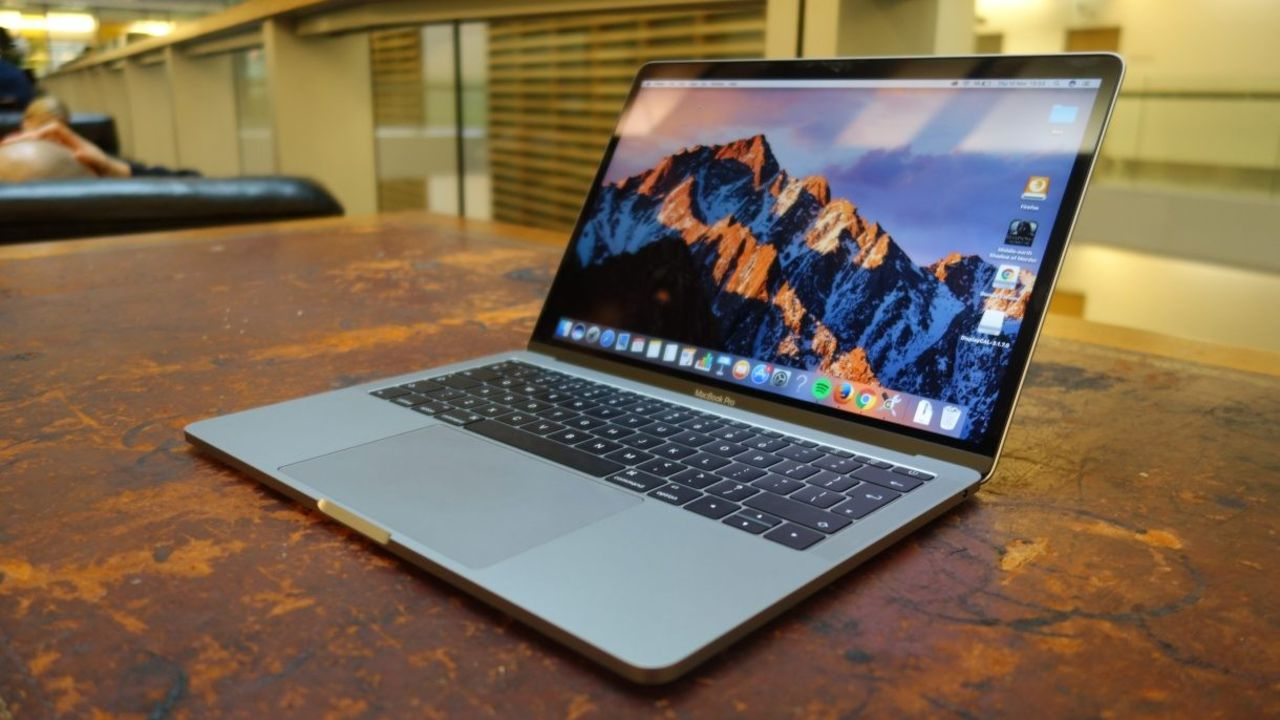 Новые MacBook Pro перестанут включаться после неофициального ремонта